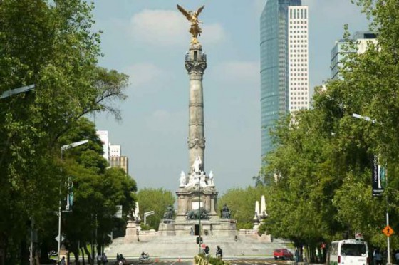 Ángel de la independencia se cae