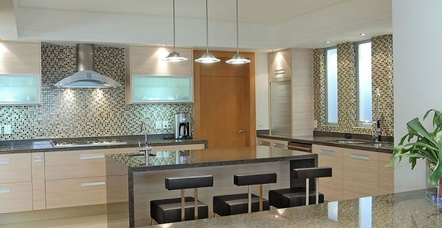 Cocinas modernas con desayunador for Cocinas modernas pequenas para apartamentos con desayunador