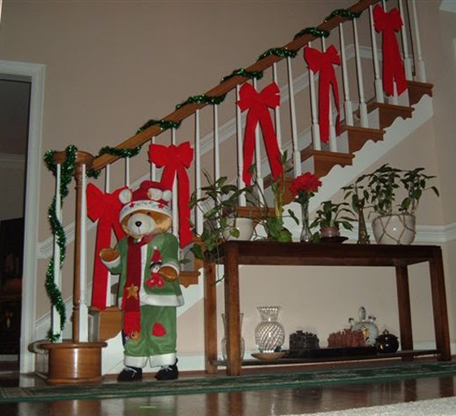 Como decorar una escalera en navidad - Decoracion de escaleras ...