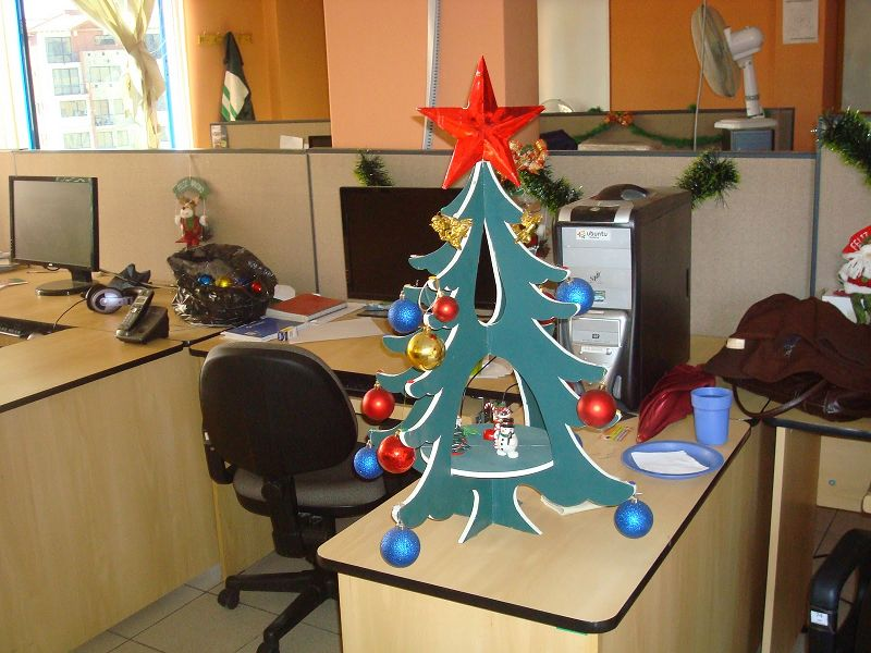 Como decorar una oficina en navidad for Como decorar tu escritorio de oficina