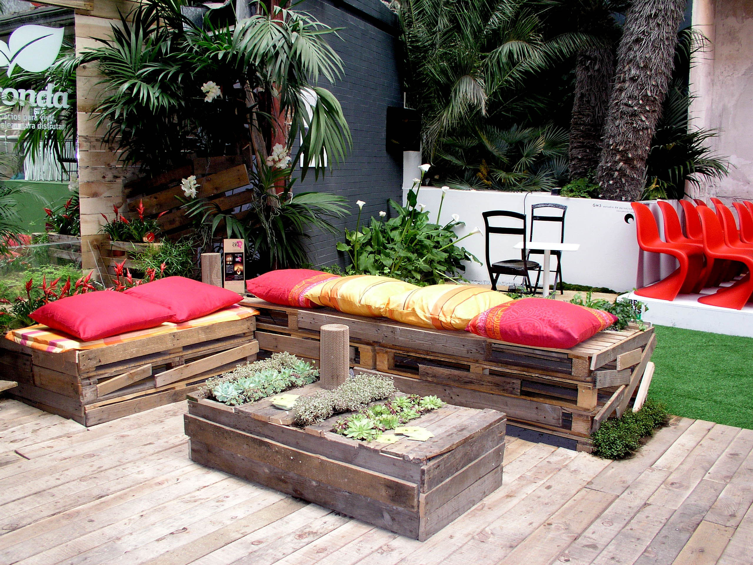 Decoraci n de patios y jardines for Ideas decoracion jardin