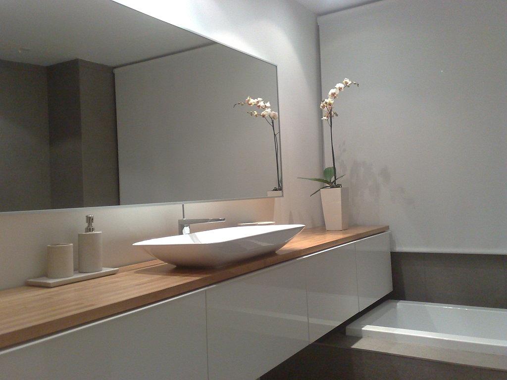 Ideas Baños Minimalistas:Orden y estilo en baños de pocos metros