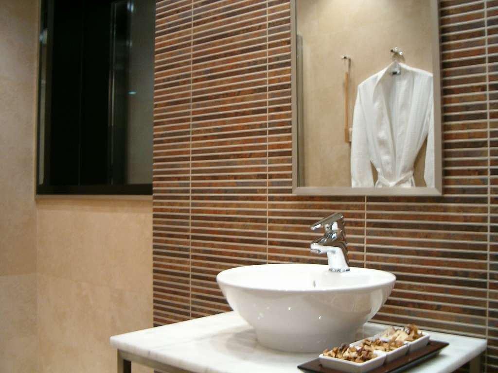 decoracion de baño de visitas ~ dikidu